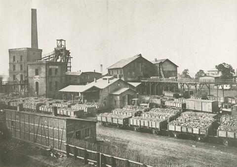 Schachtanlage Shamrock von Süden_1875.jpg