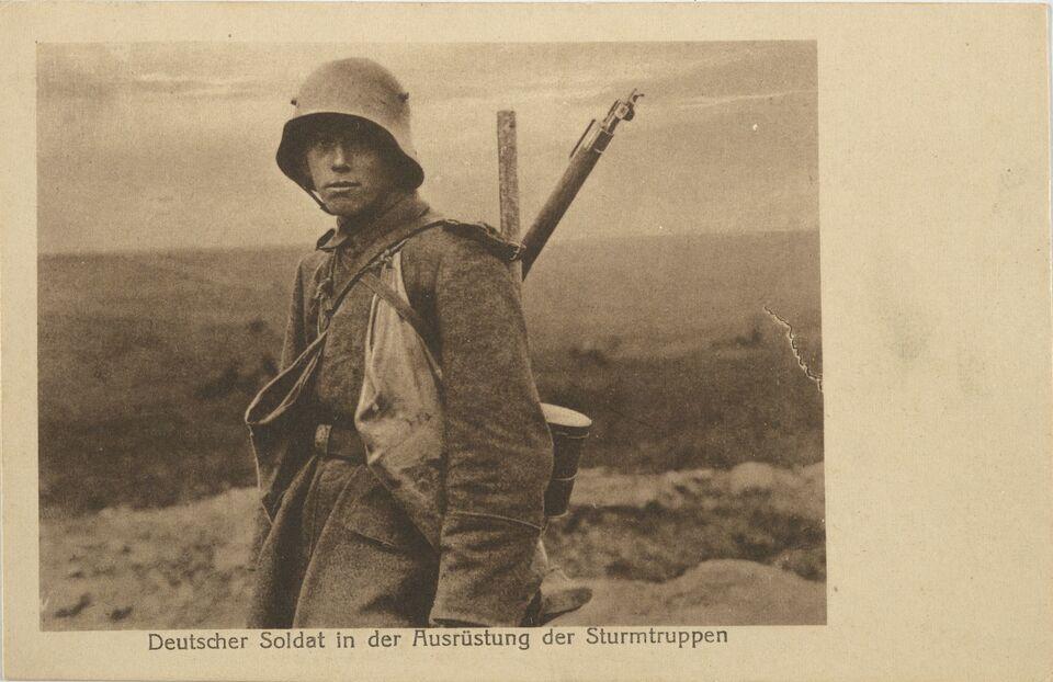 BfZ.Postkarten_Soldat.jpg