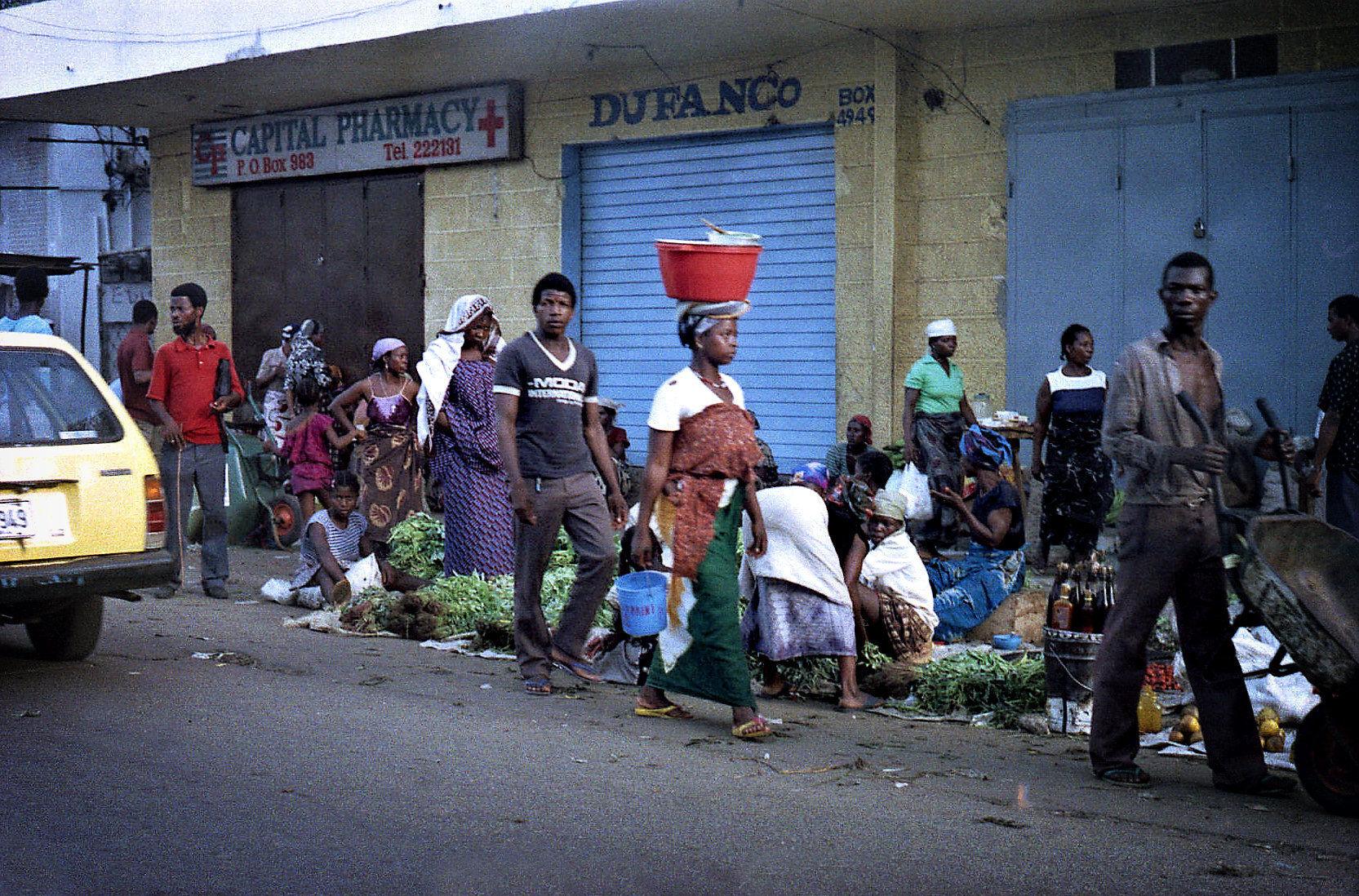 Street Scene_2_1.jpg