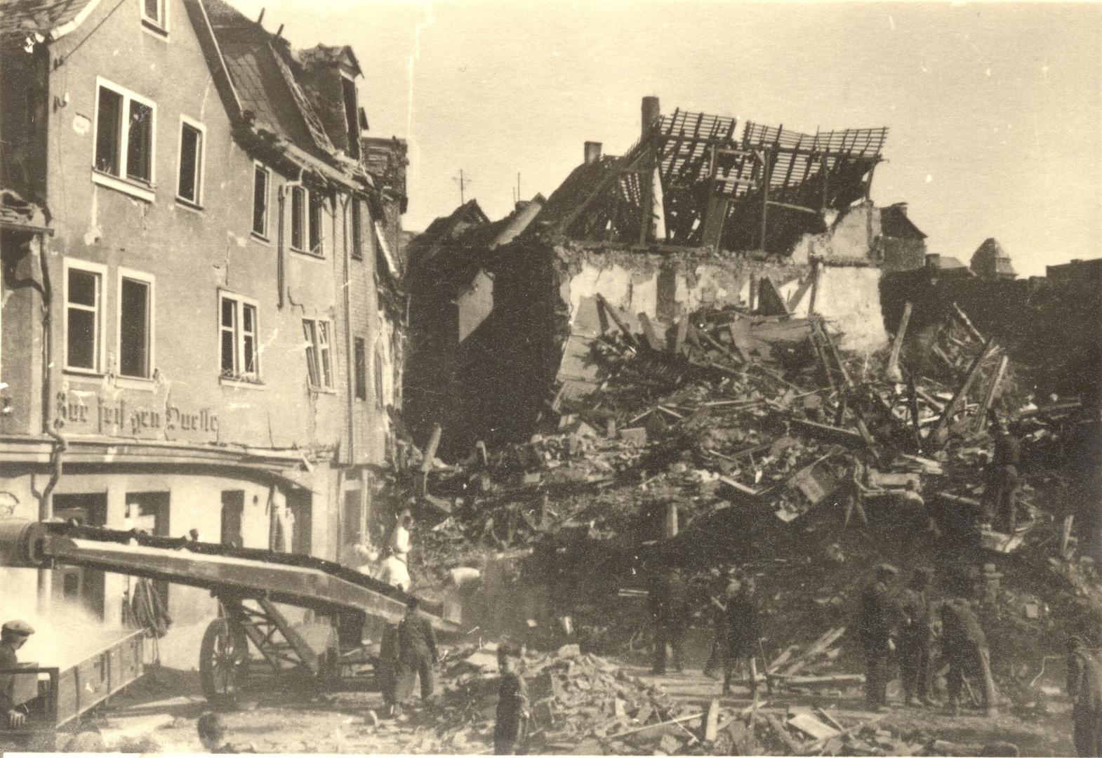 Förderband zur Trümmerräumung in der Altstadt