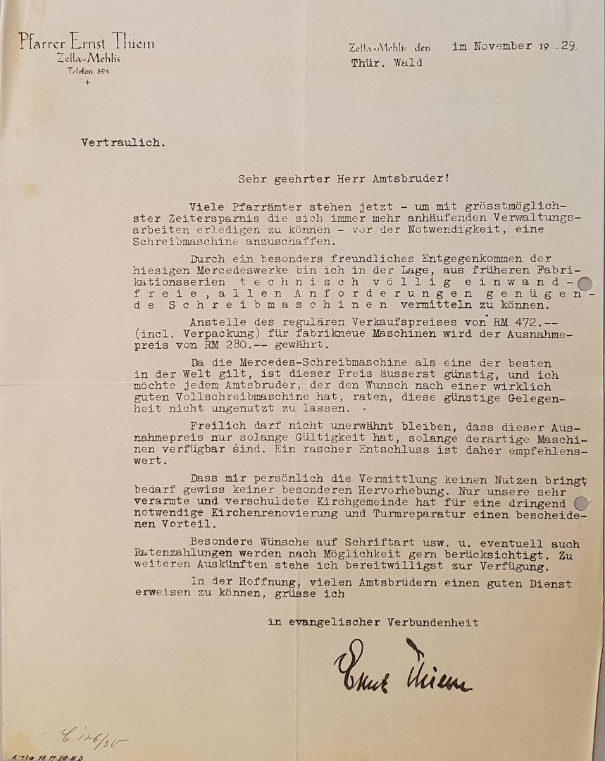 Pfarrer Thiem zur Schreibmaschine 1929.jpg