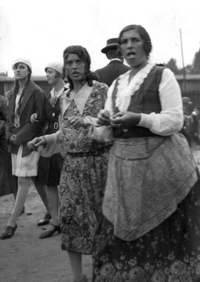 Sintize auf der Cranger Kirmes, 1930er Jahre.jpg