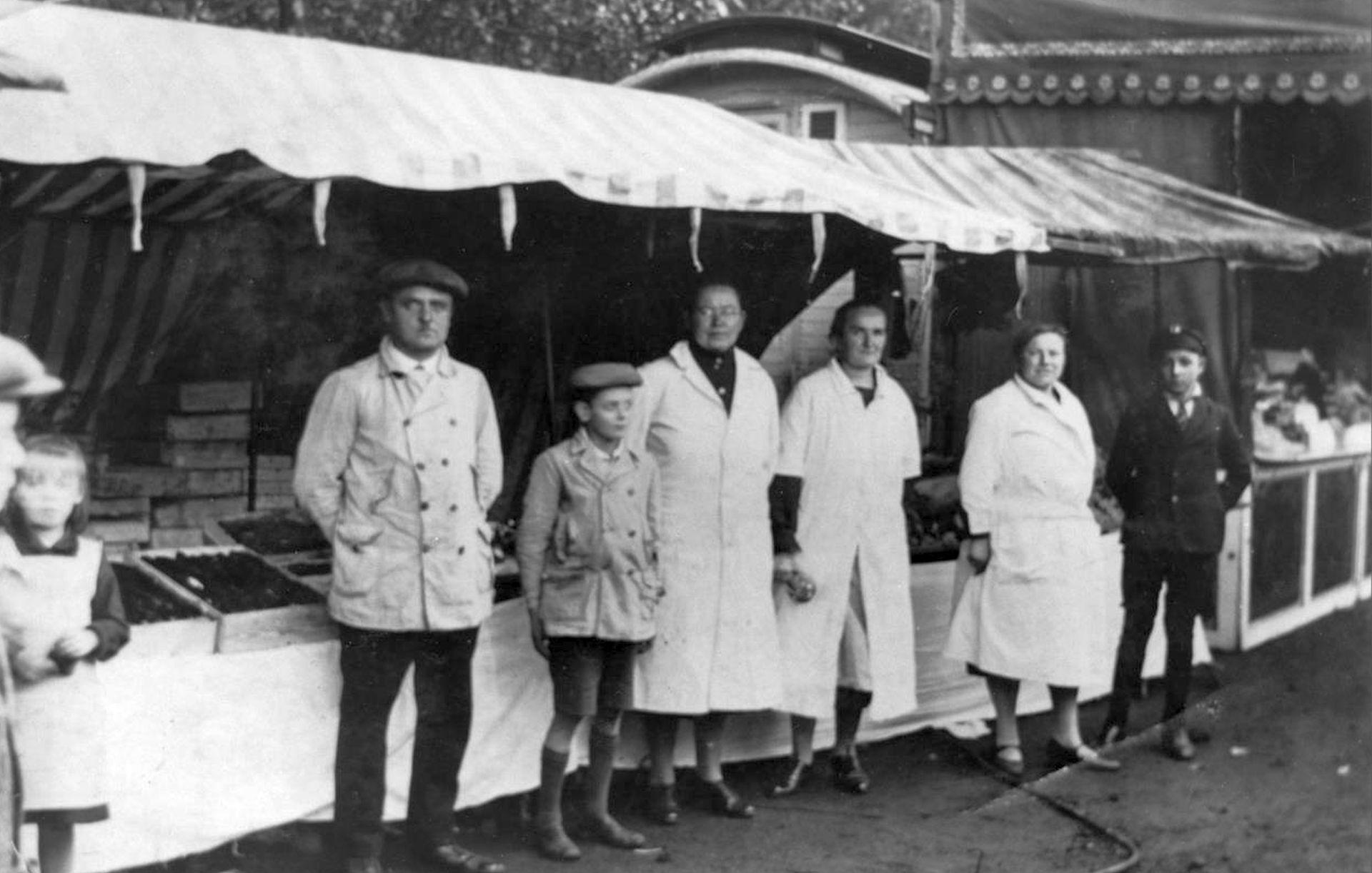 Das Fischhaus Lichte war schon 1929 auf der Cranger Kirmes vertreten..jpg