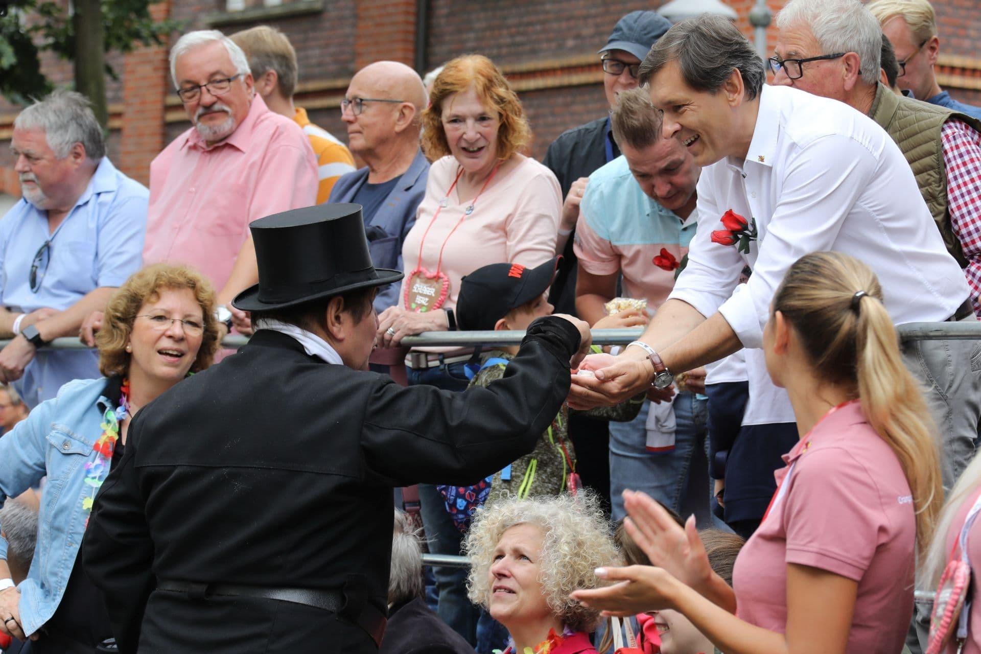 6 Glücksbringer für den Oberbürgermeister Frank Dudda.jpg