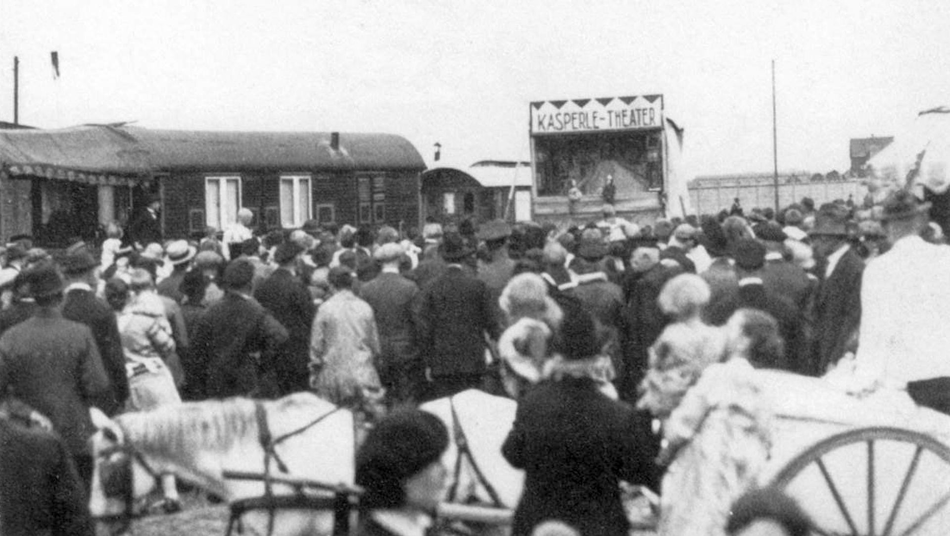 Publikumsmagnet Kasperle-Theater, 1920er Jahre.jpg