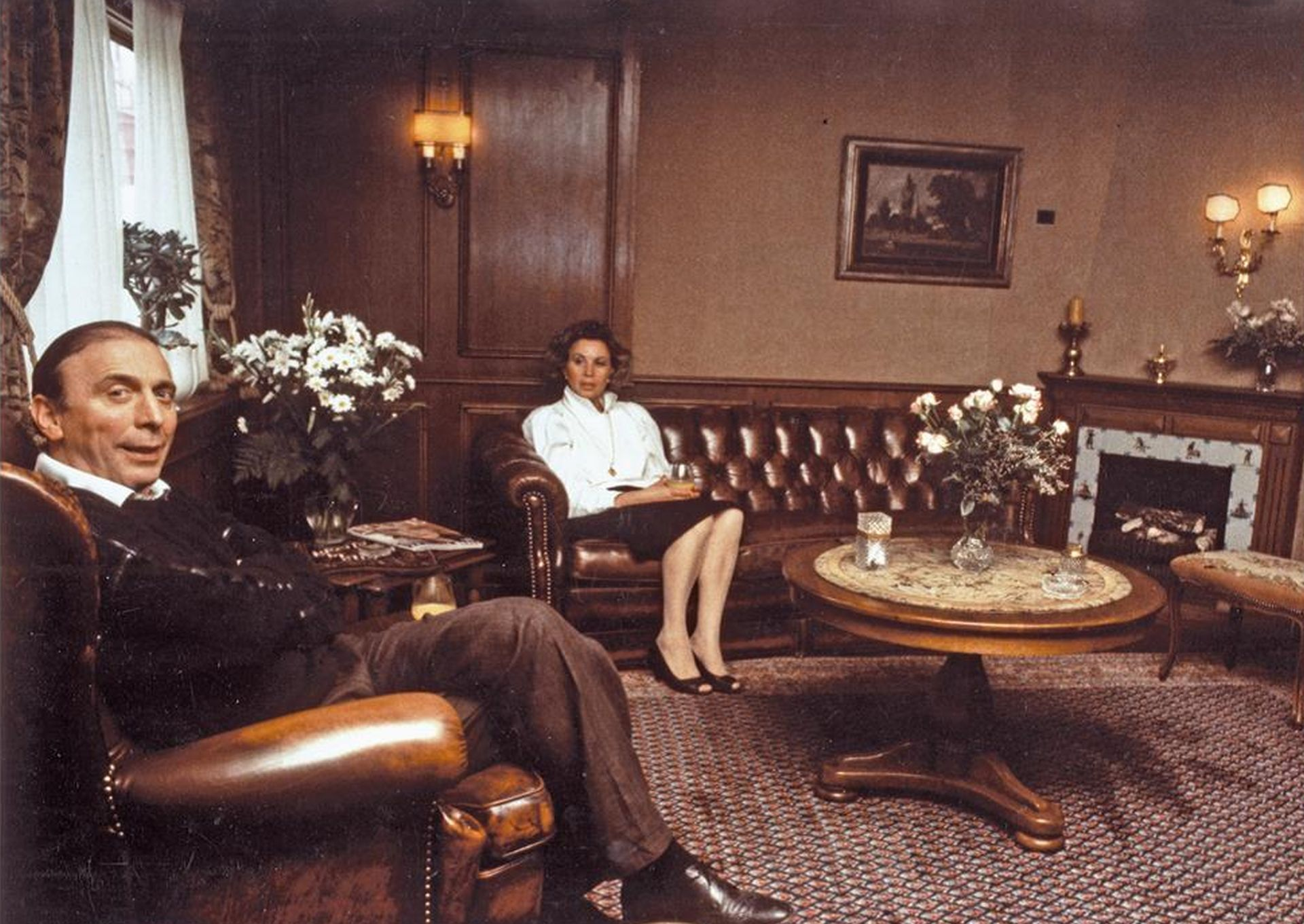 Gemütliches Wohnzimmer im Wohnwagen, 1985.jpg