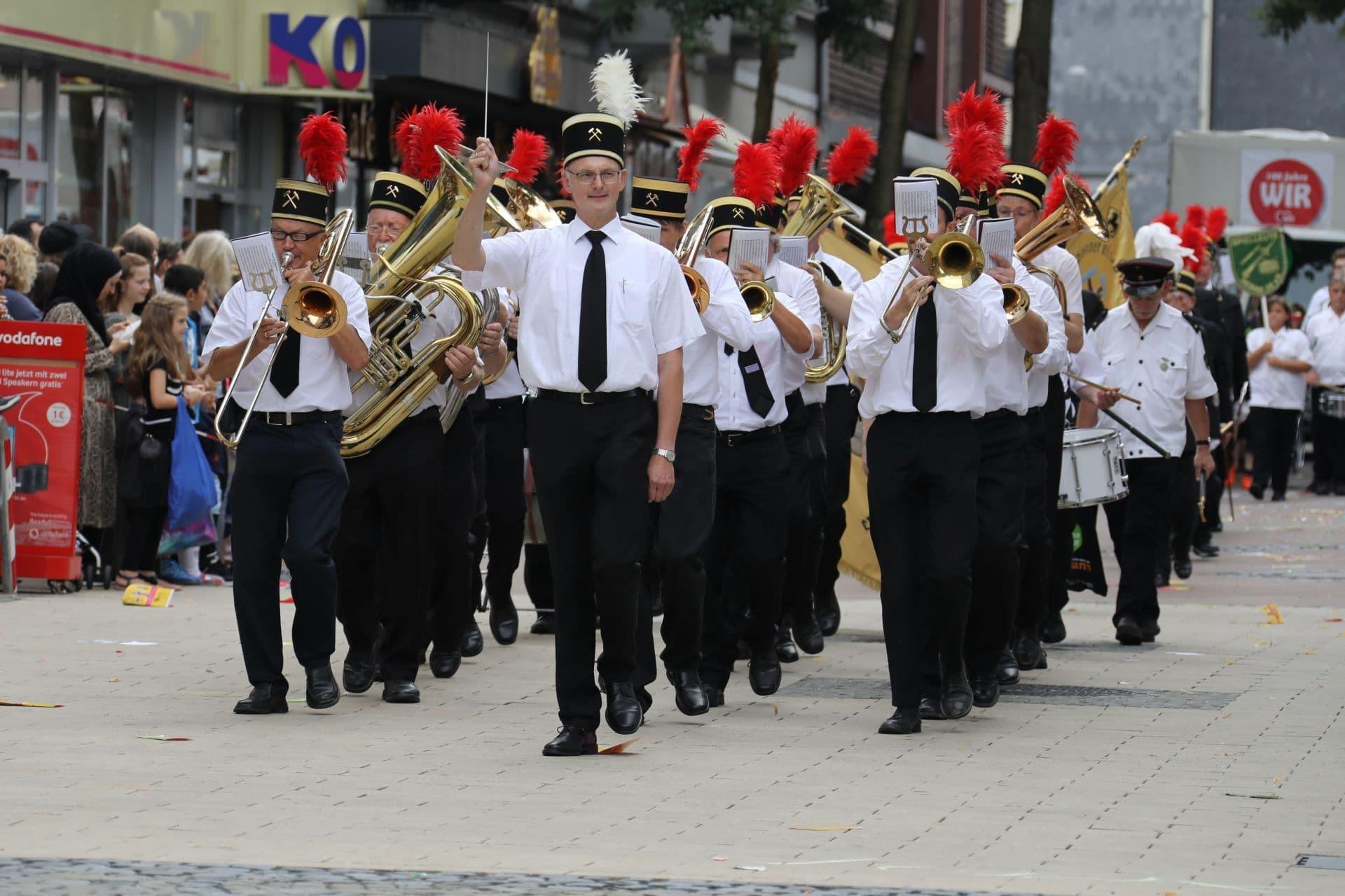 11 Die Kumpel marschieren mit.jpg