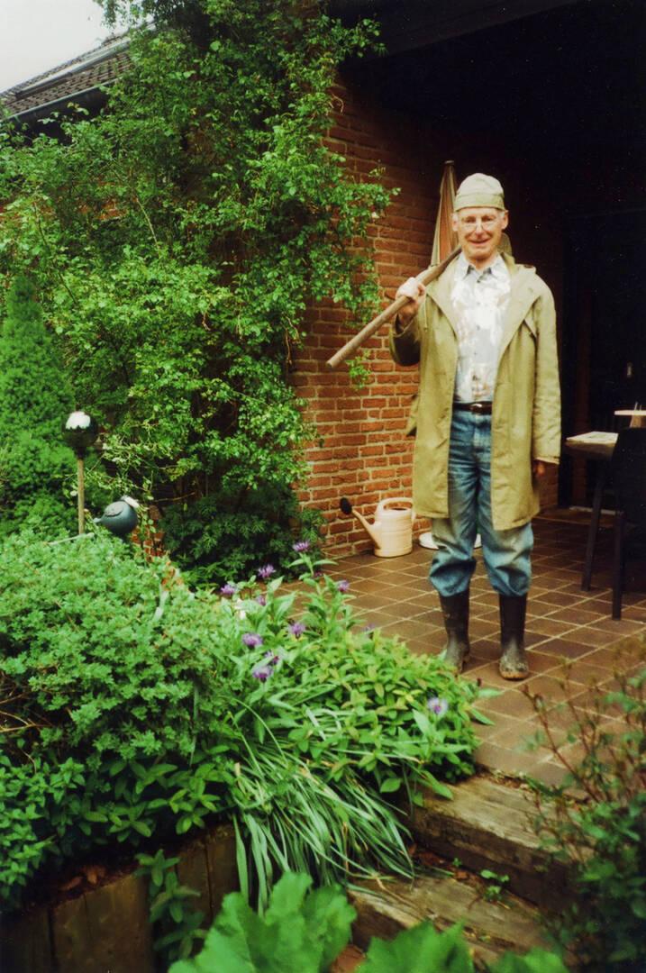 Otto Fabritius im Garten - Bild privat.jpg