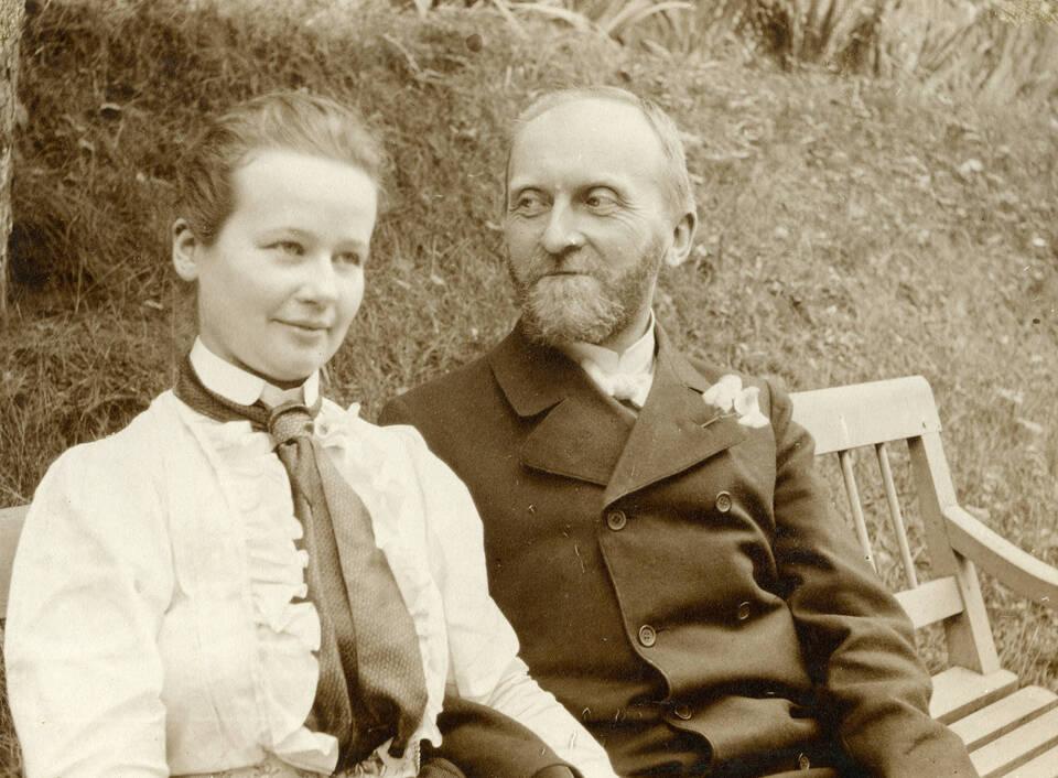 GDIs02210 - Ehepaar Dalman - Sommer 1902 - Bild Dalman-Institut Greifswald.jpg