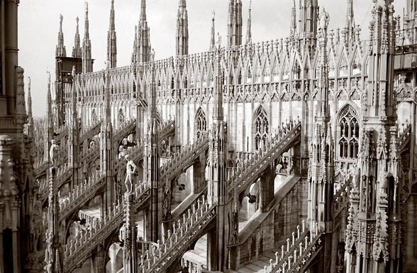 Mailand, Dom, Südseite mit Strebewerk.jpg