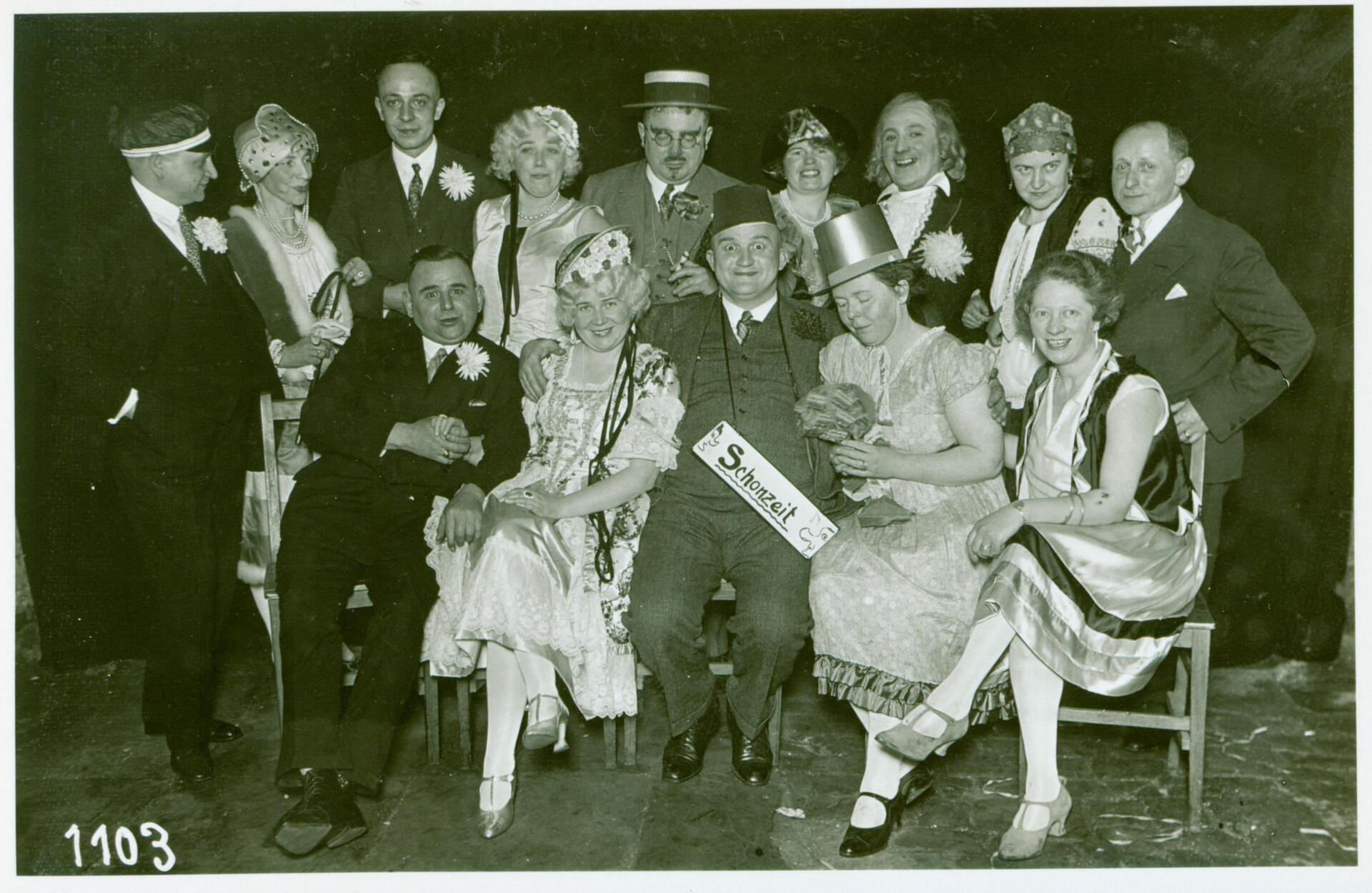 KKVTheaterprobe_mit H.Mosbach-Um1928- (K 22).jpg