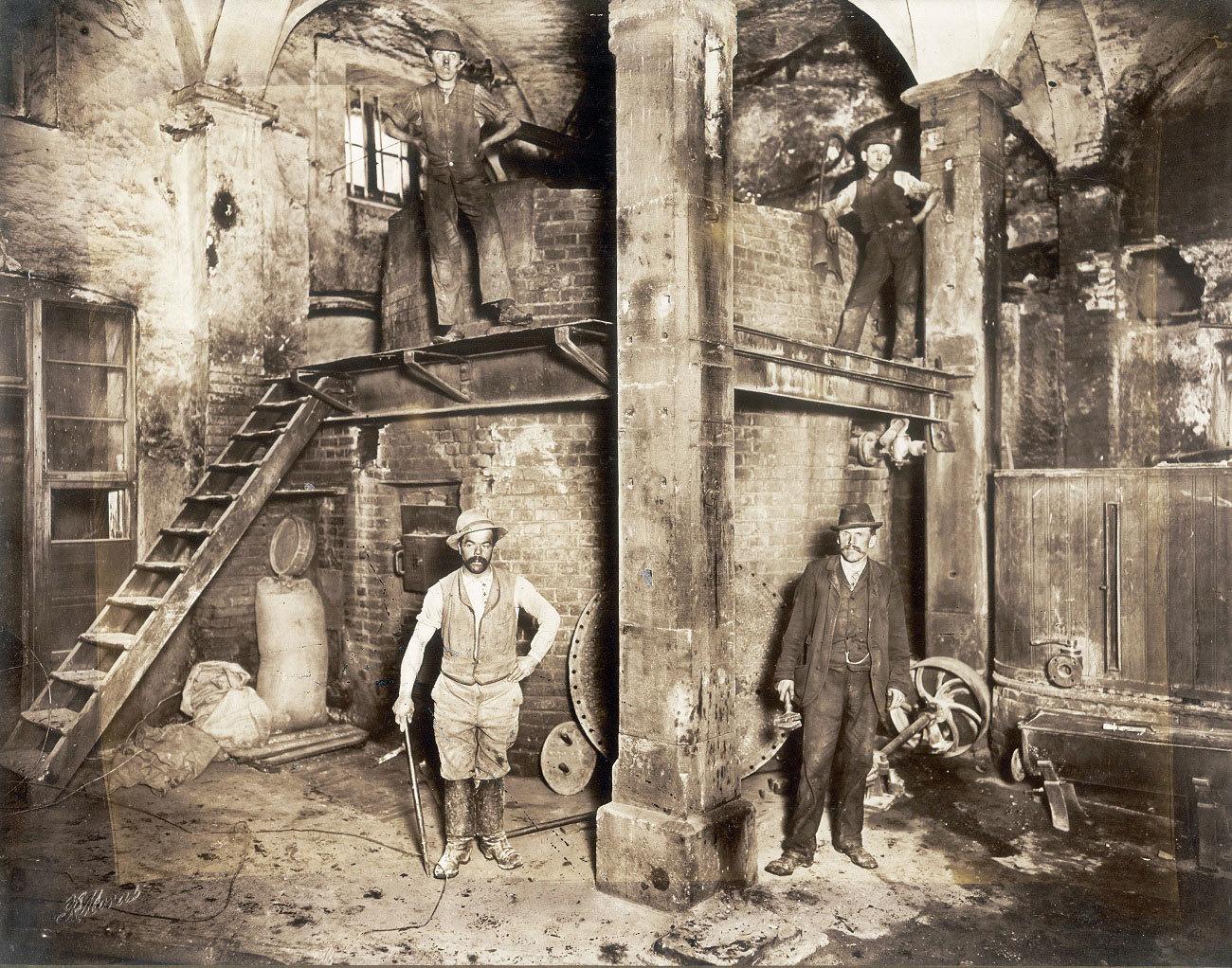 Arbeiter der Brauerei Hoepfner, um 1900