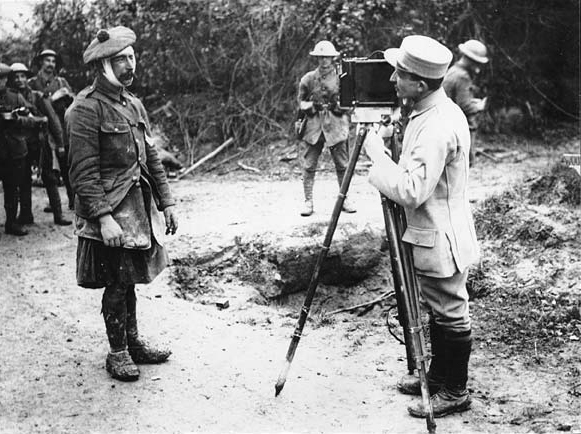 Kameramann und Verwundeter