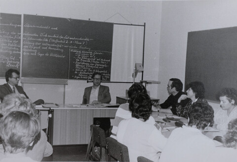 00013.a_Präsentation Autor Giebichenstein Zentrale Tage 1988_a.jpg