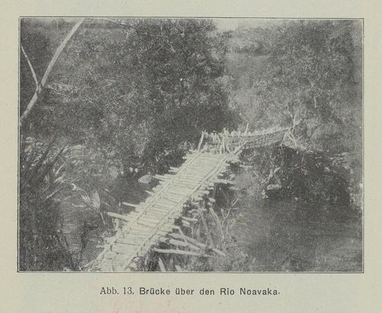 Brücke über den Rio Noavaka