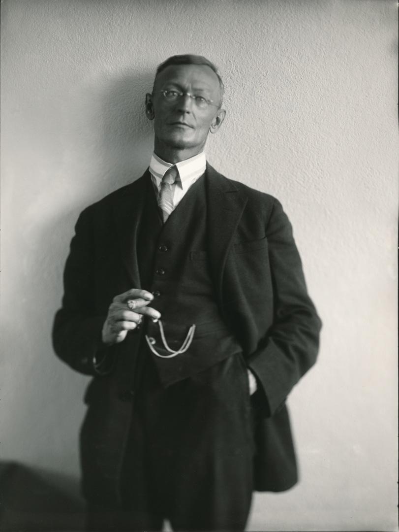 Hermann Hesse, 1926_ Fotografin Gret Widmann_Martin Hesse Erben (2).jpg