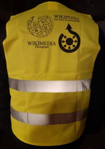 8_Wikipedia-Wikimedia-reflective_protective_vest-01ESD.jpg